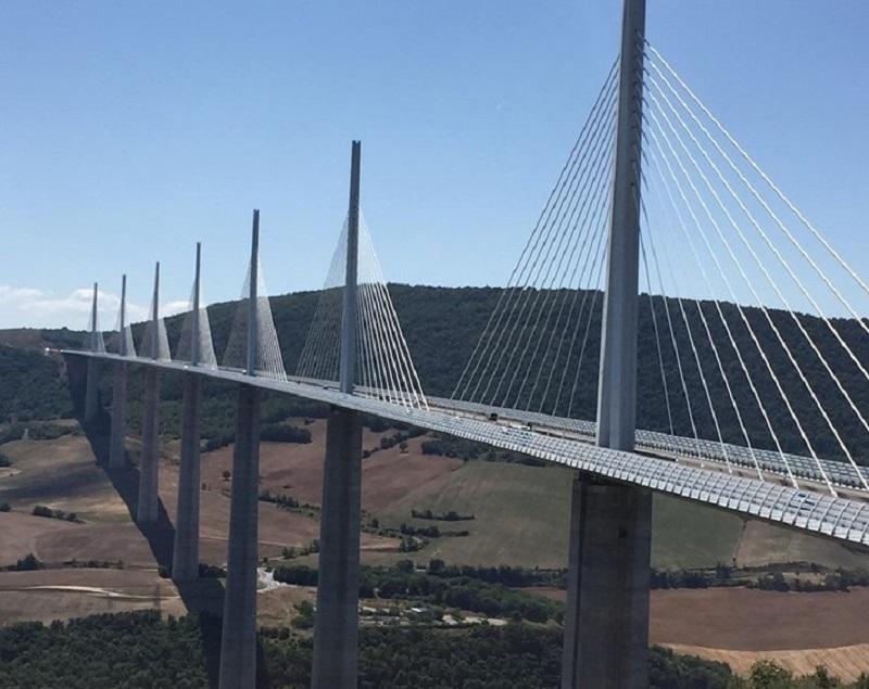 viaduct - (Foto Facebook/Cristian Păun)