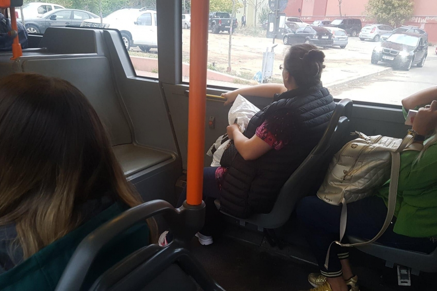 autobuz - foto Mihai Schiau