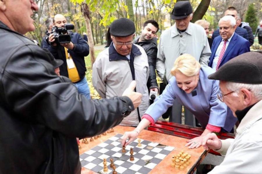 Dăncilă, șah