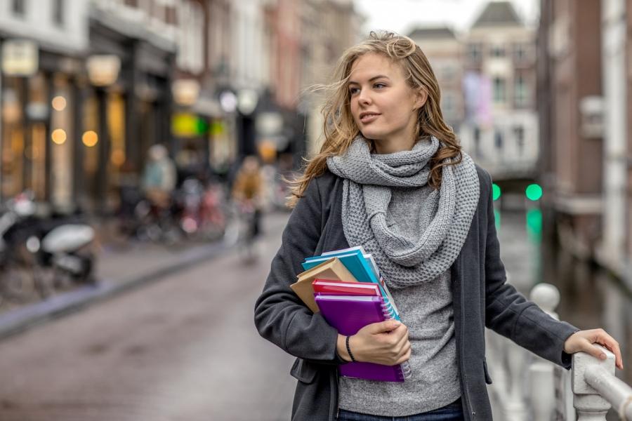 Elevă Olanda