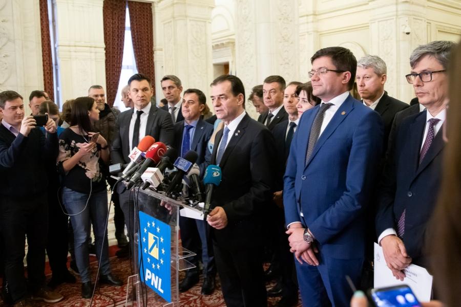 Ludovic Orban - moțiune - Foto gov.ro