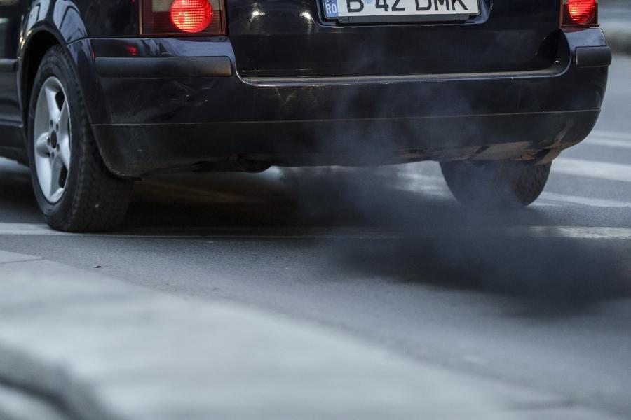 poluare - masina - Foto: Inquam Photos / Octav Ganea