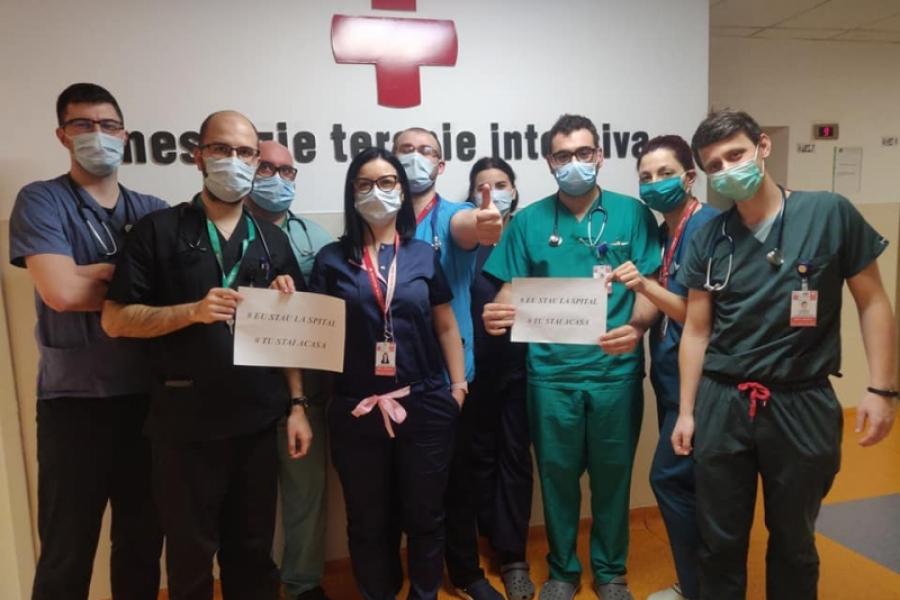 medici - stati acasa - Foto Facebook Alexandru Rogobete