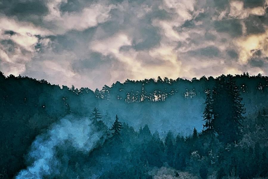Aici noaptea are nori mai grei