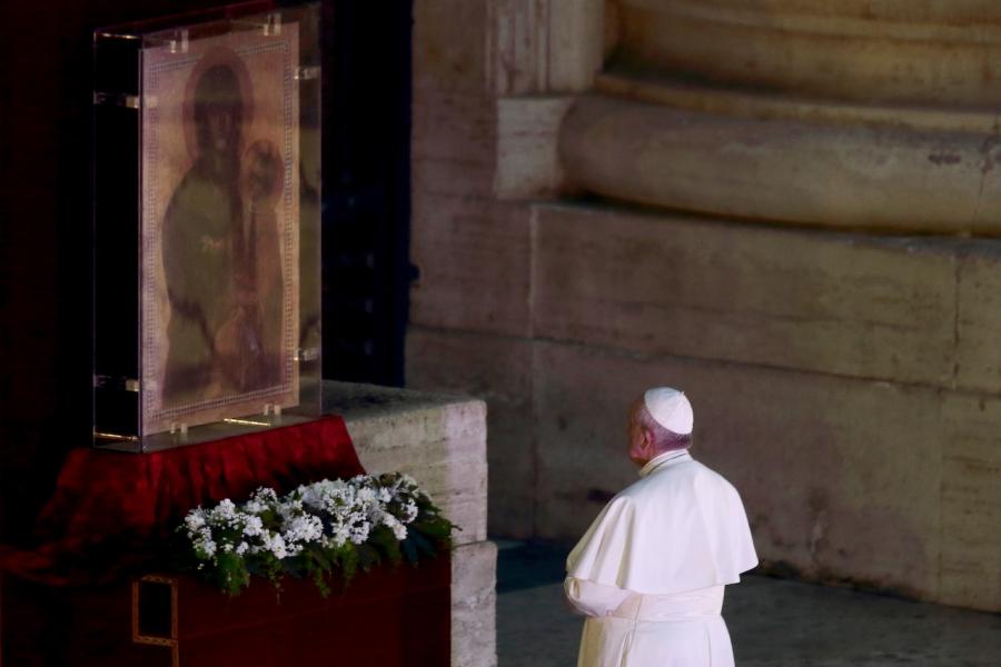 Papa Francisc, în Piața San Pietro
