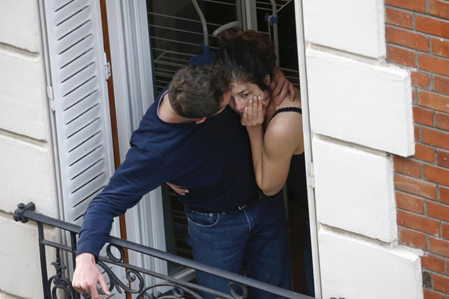 Cuplu francez la balcon