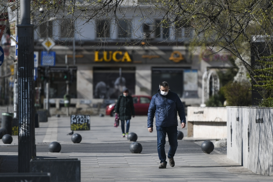 oameni pe strada - coronavirus - Foto Inquam Photos / Alberto Groşescu