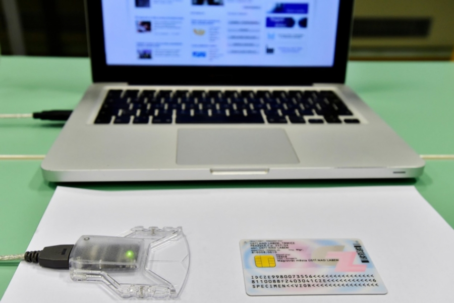 Carte electronică de identitate