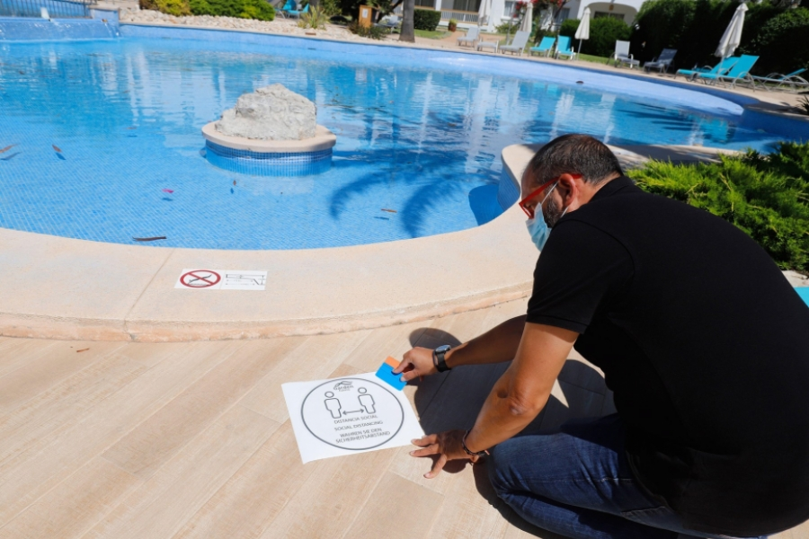 piscina - Foto dpa picture alliance / Alamy / Alamy / Profimedia)