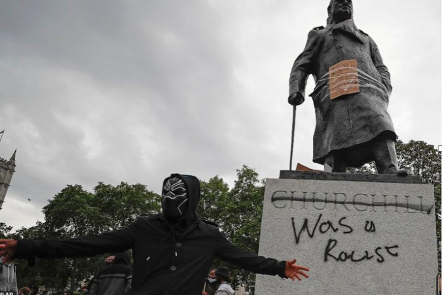 Statuie Churchill