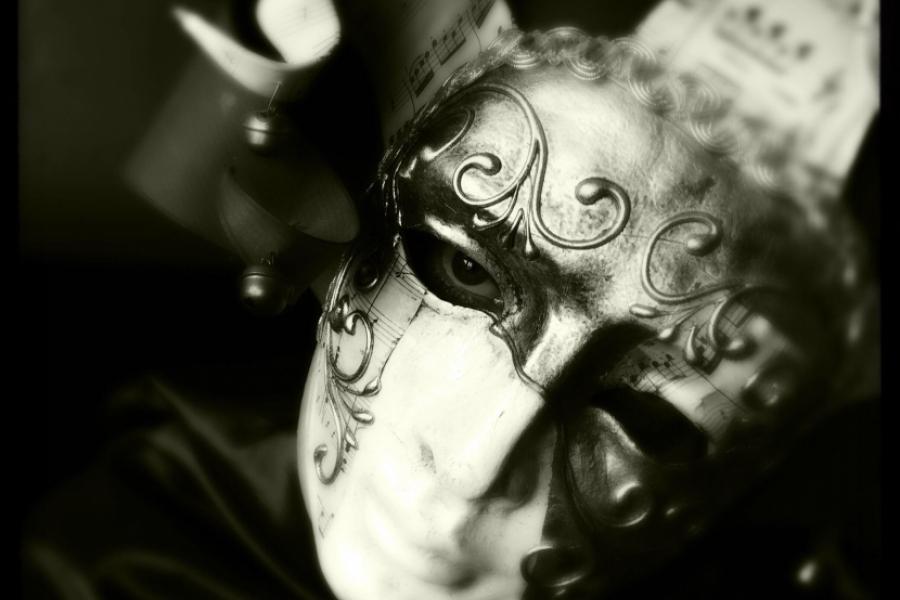 om cu masca -  (Foto Keith Leighton / Stockimo / Alamy / Alamy / Profimedia)