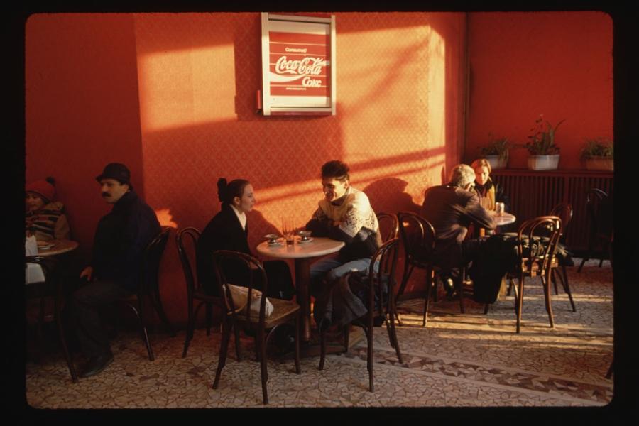 Cafenea la începutul anilor 90