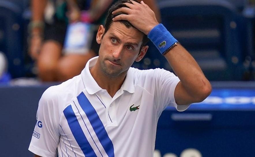 Novak Djoković, pierdut în spațiu