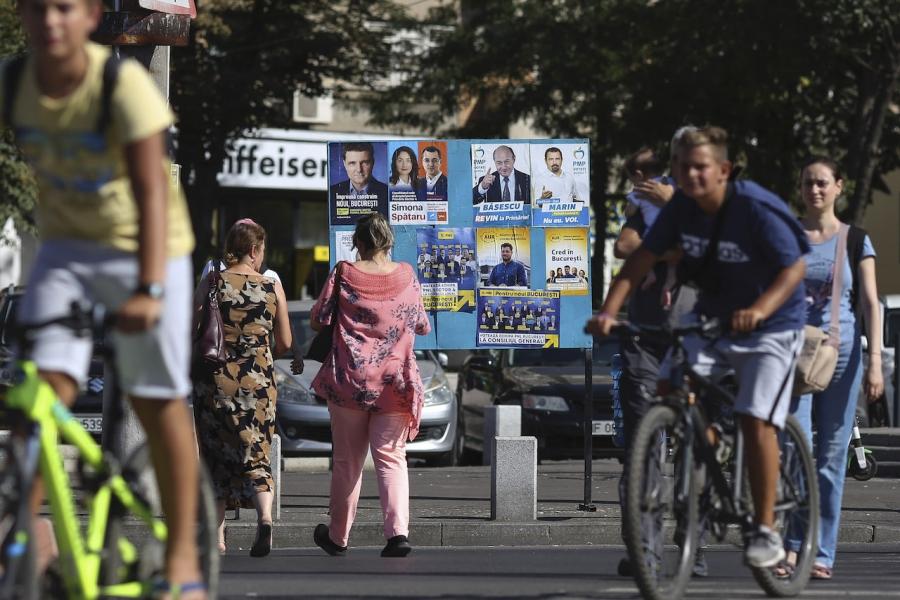 Candidați afișe București