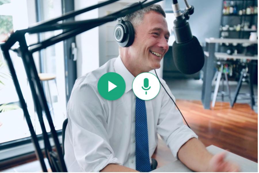 """""""La bani mărunți"""" cu Sergiu Manea, CEO BCR. Podcast amplificat de Republica"""