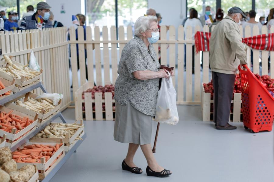 pensionari - cumparaturi
