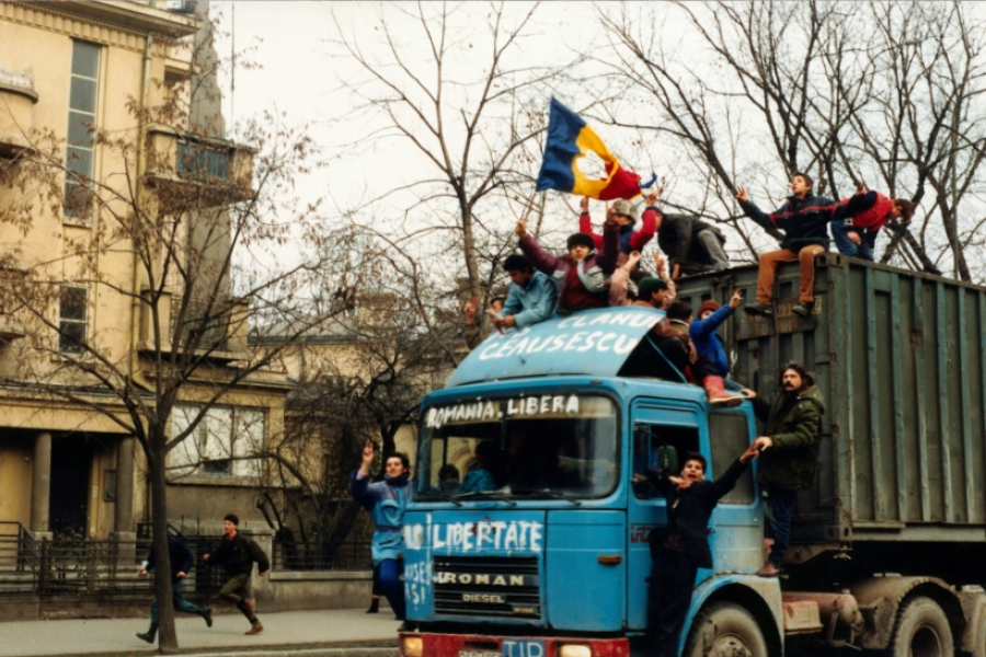 Revoluție - camion