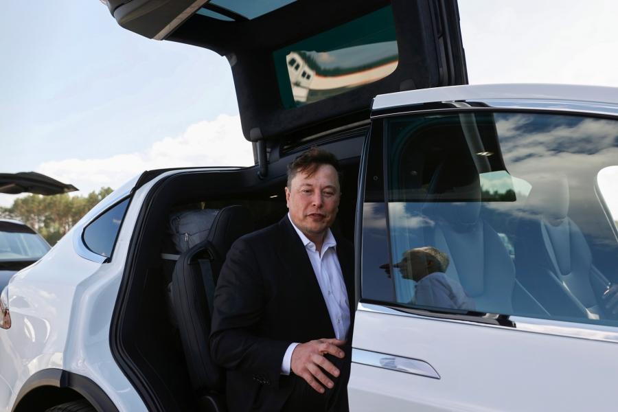 Elon Musk - Tesla