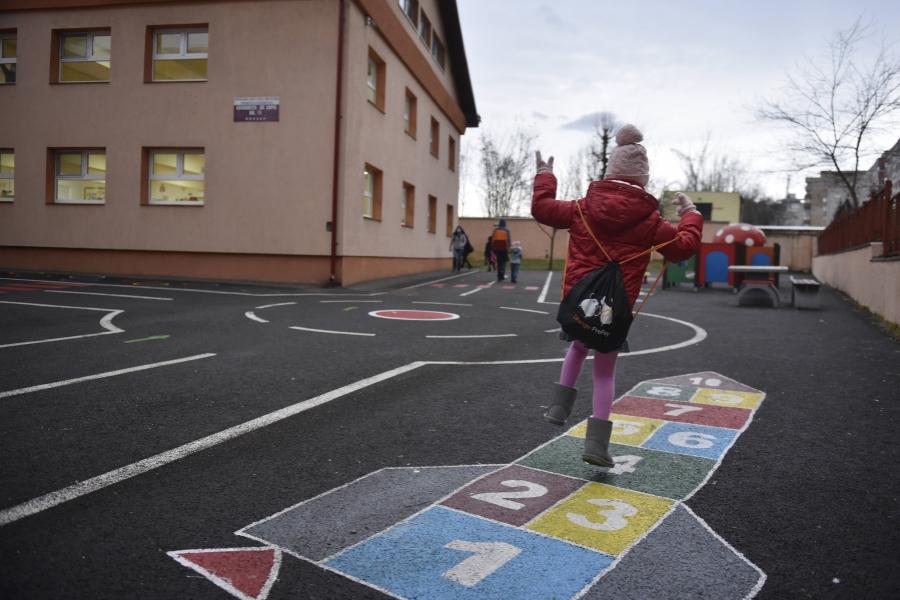 Redeschidere grădinițe și școli 8 februarie 2021