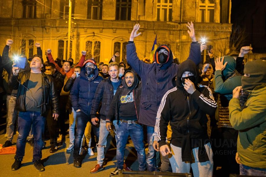 Protest la Timișoara în fața casei lui Dominic Fritz