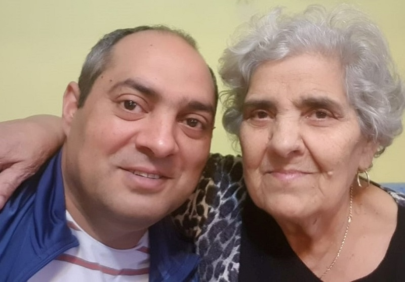 Gelu Duminica si mama