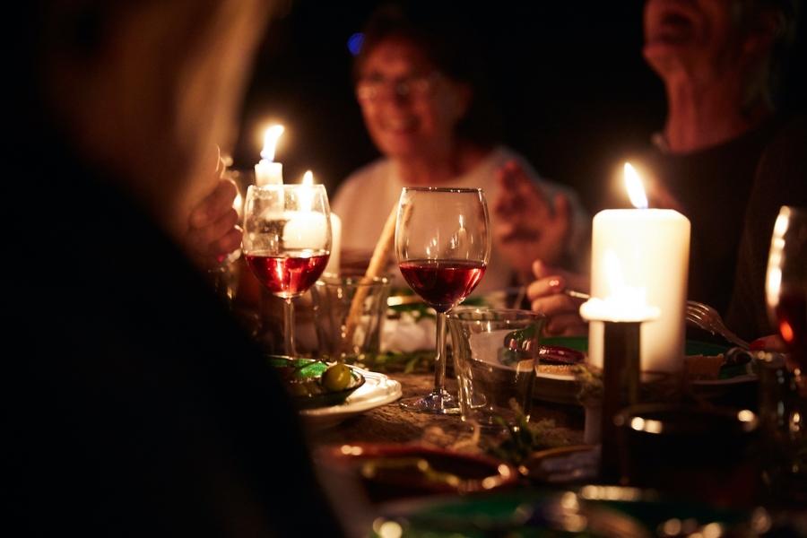 Cină cu vin