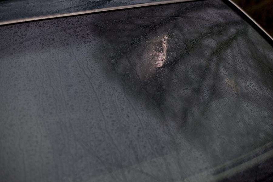 Om trist în mașină