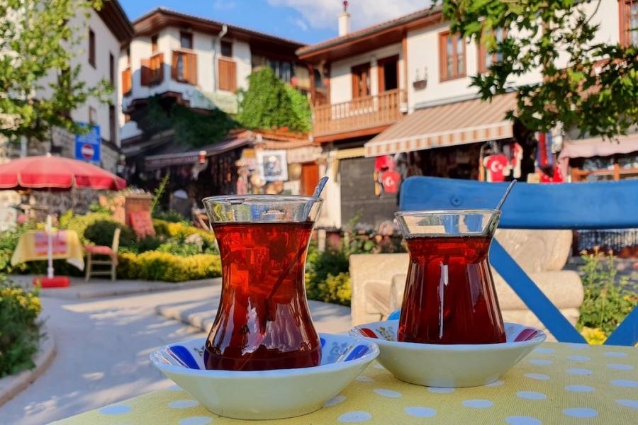 Două ceaiuri