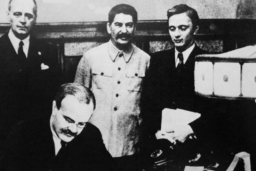 Pactul Ribbentrop - Molotov